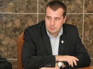 Viceprimarul Lucian Harşovschi speră ca prin această măsură să se reducă numărul de câini abandonaţi pe străzile oraşului