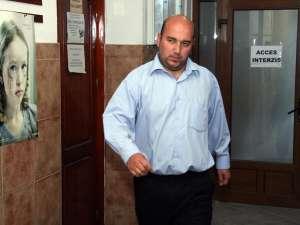 Cristinel Gheorghe  Pânzariu a fost condamnat pentru două fapte, contrabandă cu ţigări şi dare de mită