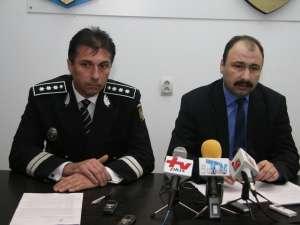 Şeful IPJ Suceava, comisarul-şef Nicuşor Todiruţ, şi Prefectul judeţului Suceava, Sorin Popescu