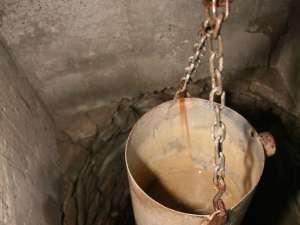 Seceta i-a lăsat pe oameni fără apă în fântâni
