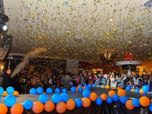 Peste 55.000 de persoane prezente la noaptea reducerilor din Iulius Mall