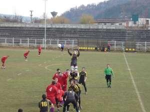 Tinerii rugbişti humoreni (în negru) au început în forţă noul sezon competiţional