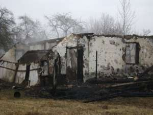 Casa afectată de incendiu