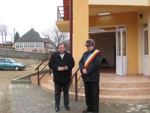 Gheorghe Flutur a participat, în cursul zilei de ieri, la inaugurarea unui dispensar medical nou în comuna Comăneşti