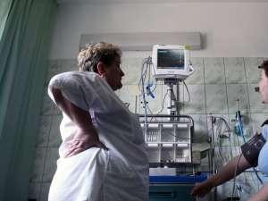 Din 2012 va exista o asigurare obligatorie, ce oferă servicii medicale minime, de bază. Foto: MEDIAFAX