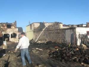 Flăcările au lăsat dezastru în urmă