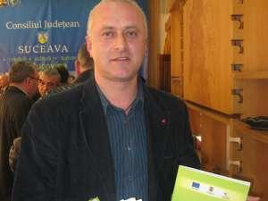 Milici a primit de la Flutur o dedicaţie pe Strategia de dezvoltare a judeţului Suceava