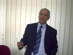 Firma deputatului Mircea Grosaru a încasat timp de cinci luni suma de 5.000 de euro