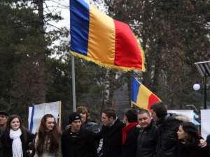 În parcul Universităţii s-a sărbătorit româneşte