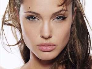 Angelina Jolie, dată în judecată de un jurnalist croat Foto: cinema8.ro