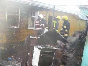 Pompierii au lichidat incendiul în totalitate în aproximativ o oră