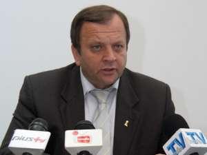 Gheorghe Flutur a declarat, ieri, că o sumă de peste 30 de milioane de euro va ajunge în anul 2012 în judeţ pentru lucrări de infrastructură rutieră