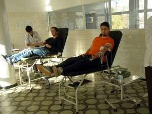 40 de tineri democrat-liberali de la organizaţia municipală Suceava au donat fiecare câte 450 de ml de sânge