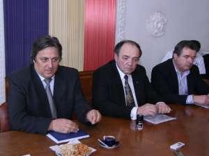 Ieri a fost semnat contractul de execuţie a lucrărilor la noul spital din Fălticeni