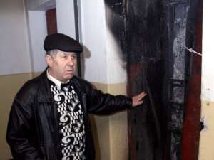 Şeful de scară Constantin Puiu şi liftul ars