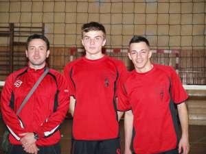 Antrenorul Ionel Ciocan şi jucătorii Ştefan Lupu şi Cosmin Andone, vor pleca la reunirile loturilor naţionale