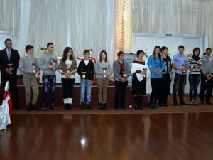 Sportivii cu rezultate la competiţiile internaţionale au fost premiaţi de IŞJ