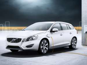 Volvo V60 diesel-hibrid vine anul viitor