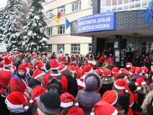 Curtea ISJ, invadată de Moşi Crăciuni