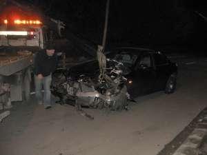 Autoturismul BMW implicat în accident îi aparţine unui anume Cristi Jitariu, din municipiul Suceava
