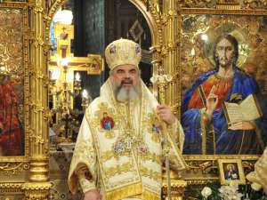PF Daniel: Naşterea Domnului ne cheamă să acordăm o atenţie deosebită familiei. Foto: bor.ro