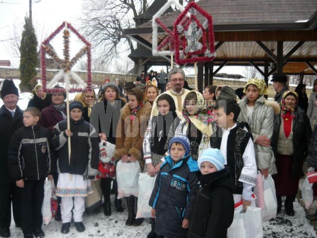 PD-L-iştii din Adâncata au adus bucuria în casele a peste o sută de familii