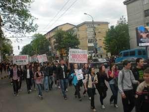 """Marşul antiviolenţă, antidrog şi antitutun, organizat de Asociaţia """"Euroactiv"""" în luna mai"""