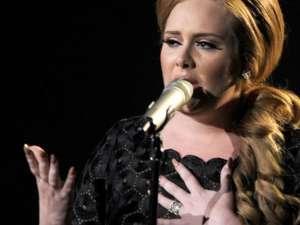 2011 în muzică - Triumful muzicalităţii asupra minimalismului şi perucilor roz are un nume: Adele