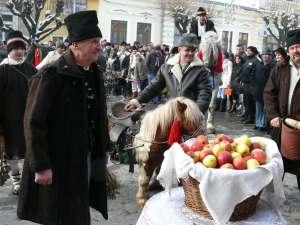 Grigore Tulbure şi urători din Rădăşeni