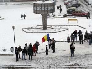 20 de persoane au participat ieri la un protest în centrul municipiului Fălticeni