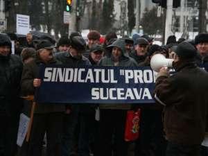 Protestatarii de la Termica, în faţa Primăriei Suceava