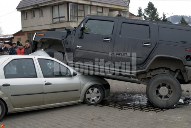 Hummer-ul s-a urcat practic pe Dacia Logan