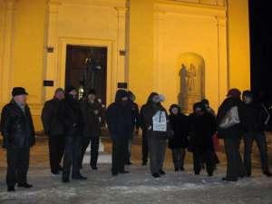 Gerul a subţiat rândurile protestatarilor suceveni