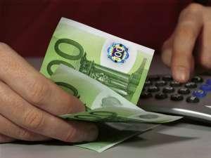 Populaţia a preferat creditele în valută. Foto: VARIOPRESS