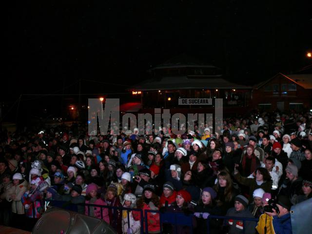 Mii de spectatori şi iubitori ai sporturilor de iarnă