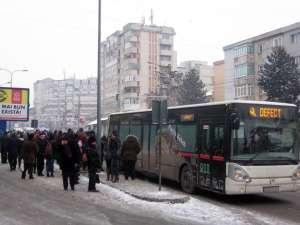 Din cauza gerului, autobuzele s-au defectat unul după altul