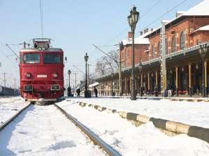Zeci de trenuri au fost anulate sau au avut întârzieri oscilând între câteva zeci şi câteva sute de minute