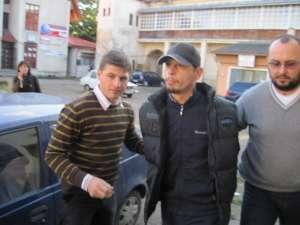 Ovidiu Rusu a fost judecat pentru că a ţepuit trei persoane din Volovăţ, de la care a luat 40.000 de lei şi 5.000 de euro