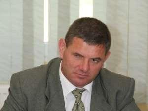 Contractele dintre Primăria Slatina şi cele trei firme care au supt bani publici s-au făcut exclusiv după ureche şi după bunul plac al primarului Ilie Gherman