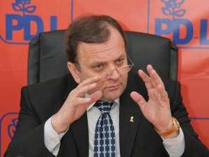 """Gheorghe Flutur: """"Prioritatea va fi guvernarea locală. PD-L are o responsabilitate uriaşă"""""""