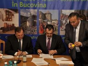 La sediul Palatului Administrativ au fost semnate  contractele de finanţare pentru modernizarea a şase drumuri comunale