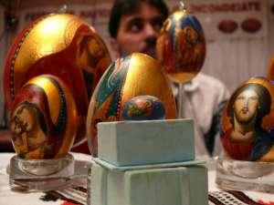 La Festivalul Naţional al Ouălor Încondeiate de la Ciocăneşti sunt aşteptaţi artişti încondeietori de ouă din toată ţara