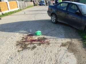 Şoferul BMW-ului l-a lovit în plin pe biciclist, apoi a fugit