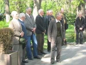 Câţiva dintre veteranii prezenţi la Monumentul Eroilor Români
