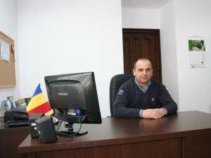 Dan Chidovet, primarul comunei Dărmăneşti