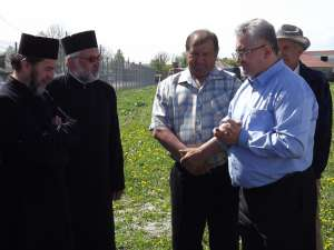 Primarul Sucevei s-a întâlnit pe terenul noului cimitir cu reprezentanţii unităţilor de cult şi gospodarii din Iţcani