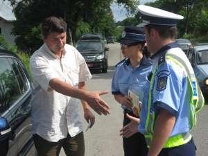 Teanc de permise de conducere reţinute, după un control al Poliţiei Rutiere