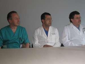 Dr. Dorin Stănescu, alături de medicii Ashraf Habib, care profesează în Carolina de Nord, şi Virgil Mănică, care lucrează la Boston