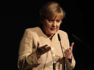 Angela Merkel a discutat, ieri, la telefon cu preşedintele Traian Băsescu