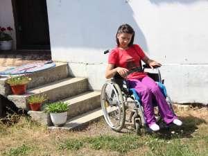Între 20 şi 25 iulie, Oana va merge împreună cu mama sa în tabără la Voroneţ